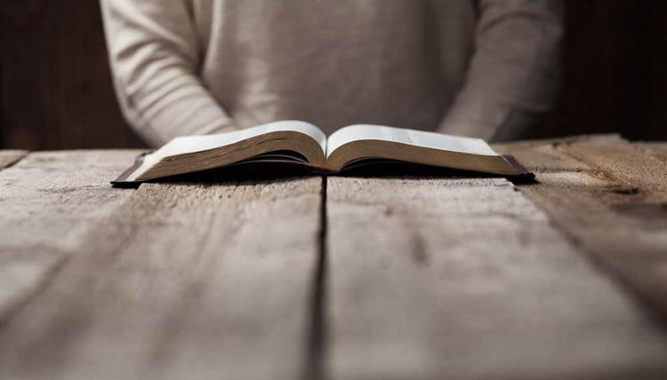 Обязательно ли читать утренние и вечерние молитвы?