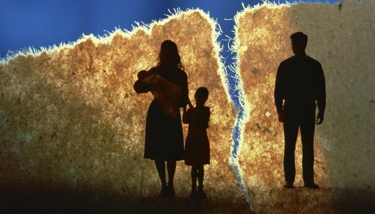 Почему сегодня так часто распадаются семьи?
