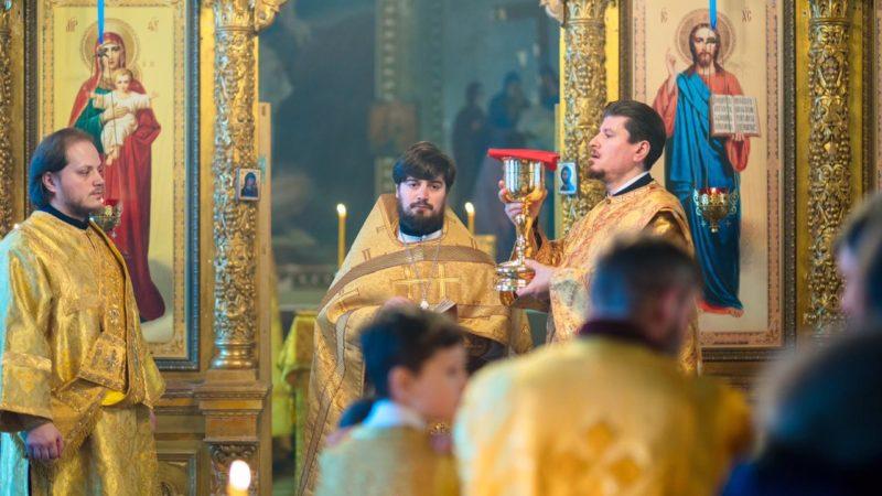 (Фото) В селе Раменки Московской области прошла Литургия с участием гагаузов