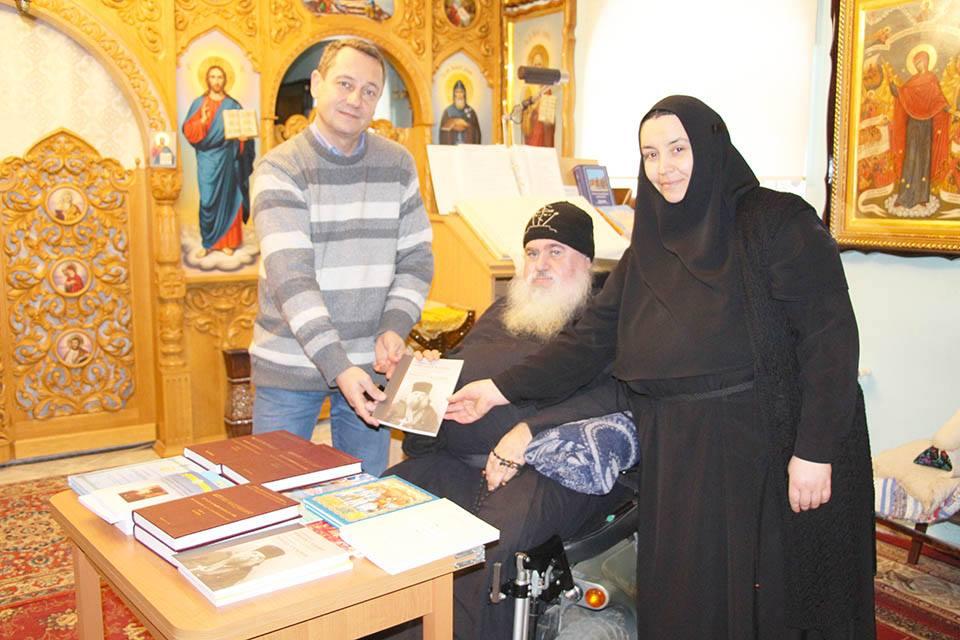 НИЦ Гагаузии передал в дар Библиотеке монастыря литературу