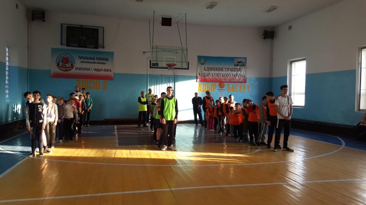 (Фото+Видео) Воспитанники воскресной школы при храме Казанской иконы Божией Матери мун. Чадыр-Лунга провели спортивные состязания