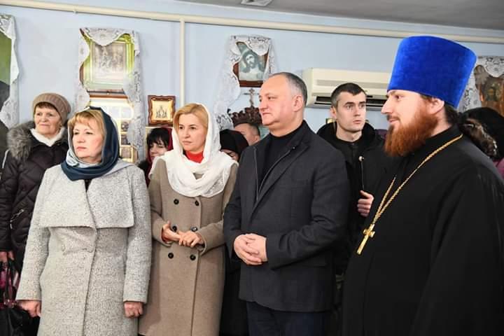 Президент Игорь Додон посетил строящуюся церковь в Вулканештах