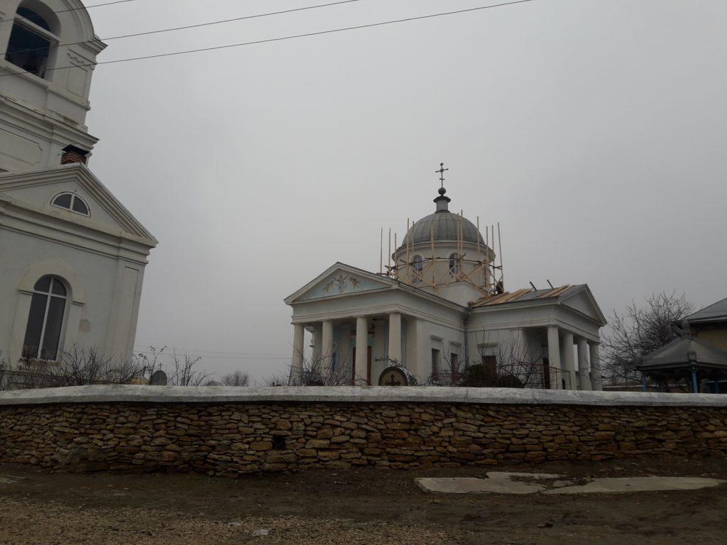 В храме села Казаклия начались ремонтные работы