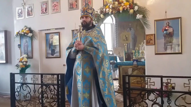 Состоялась беседа с настоятелем храма  в честь Казанской иконы Божией Матери прот. Сергием Лазаревым