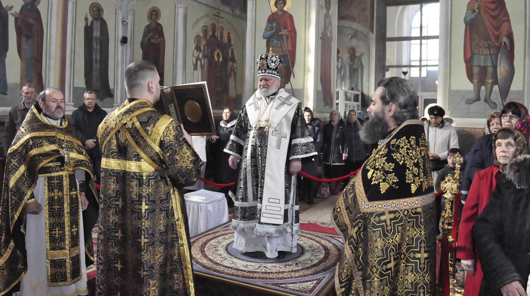 Преосвященнейший Анатолий епископ Кагульский и Комратский совершил Божественную Литургию в Кафедральном соборе города Кагул