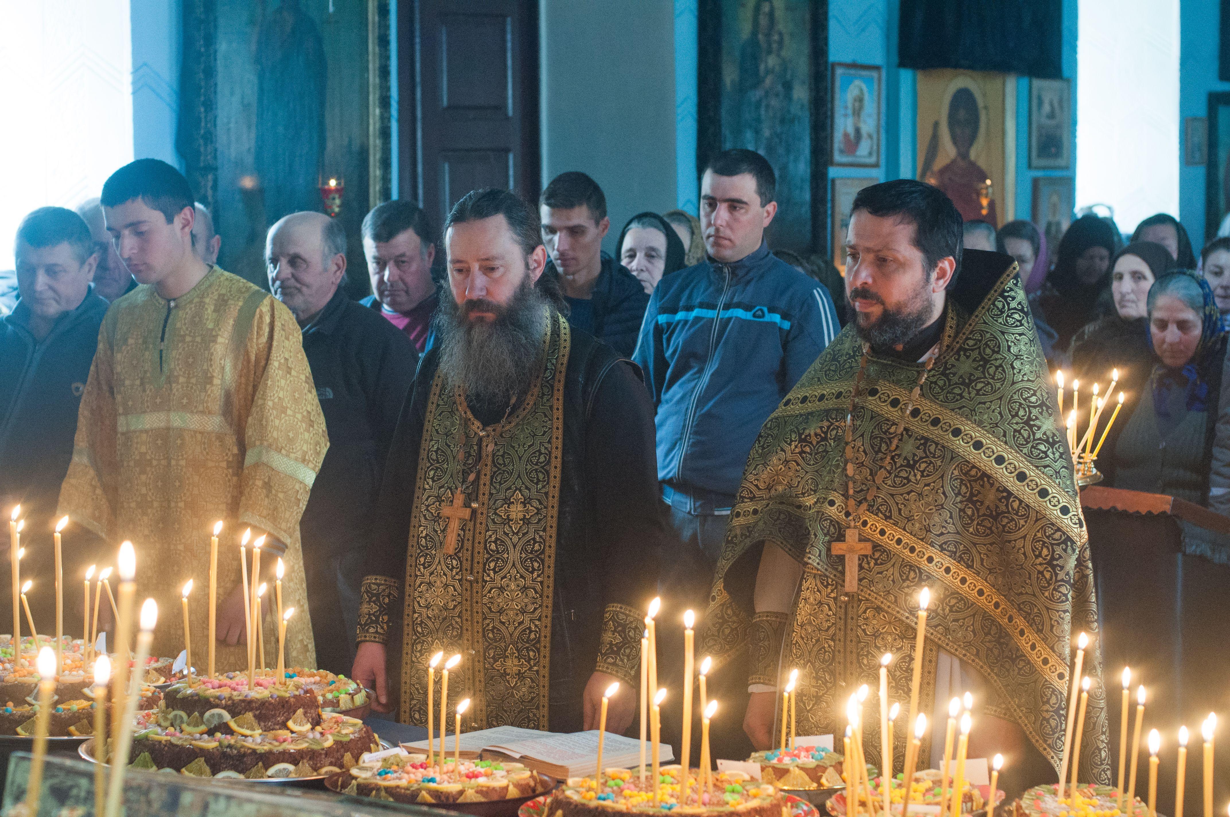 (ФОТО) В Копчаке освятили коливо вмч. Феодора Тирона и раздали по организациям села