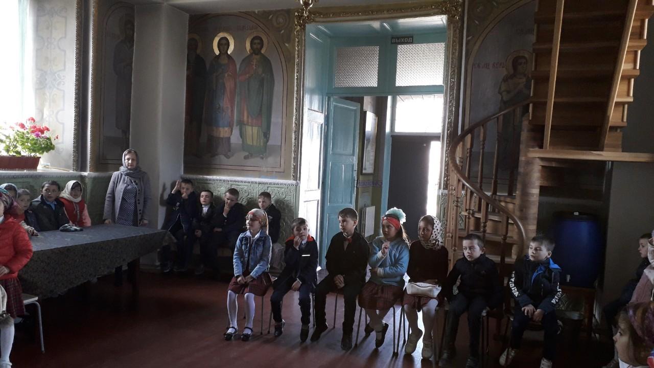 В храме Дезгинжа прошла беседа на тему Христово Воскресение