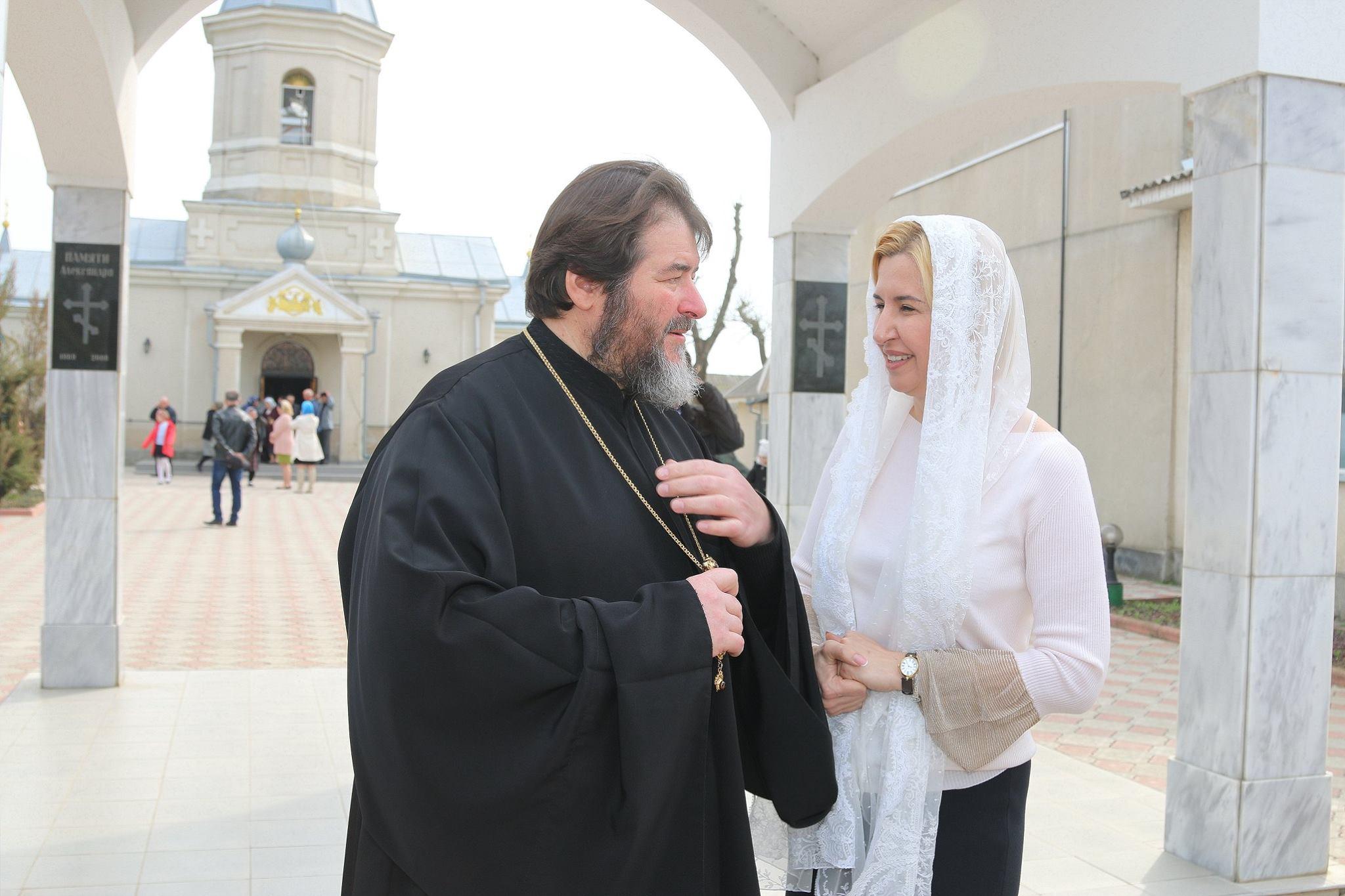 (ФОТО) Литургия на Благовещение в селе Томай. Храм посетила глава автономии Ирина Влах