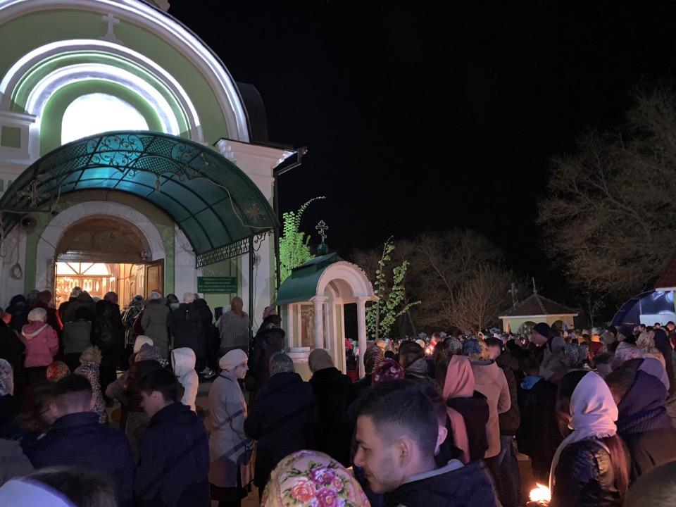 (ФОТО) Пасхальное богослужение в церкви Святой Троицы в Конгазе