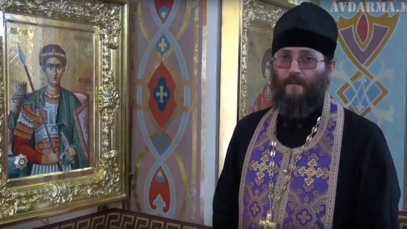 (ВИДЕО) Свято-Михайловской церкви села Авдарма переданы еще восемь икон с мощами православных Святых