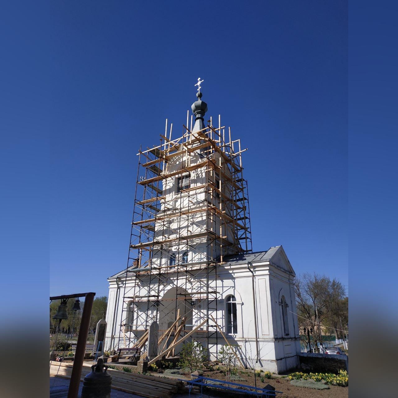 В Казаклии закончили сборку главного купола храма