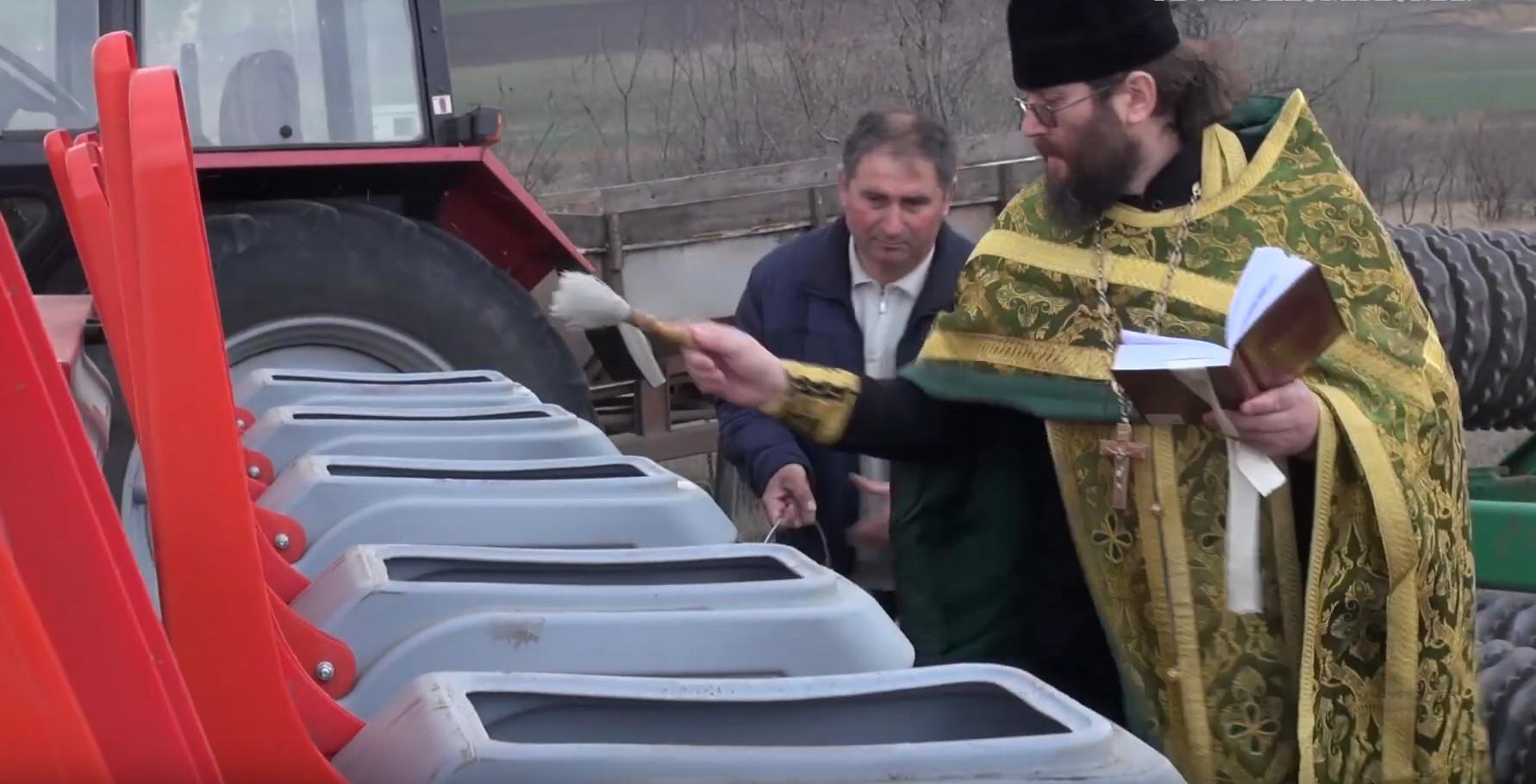 (ВИДЕО) Урожай растим с молитвой. В Гагаузии начались посевные работы