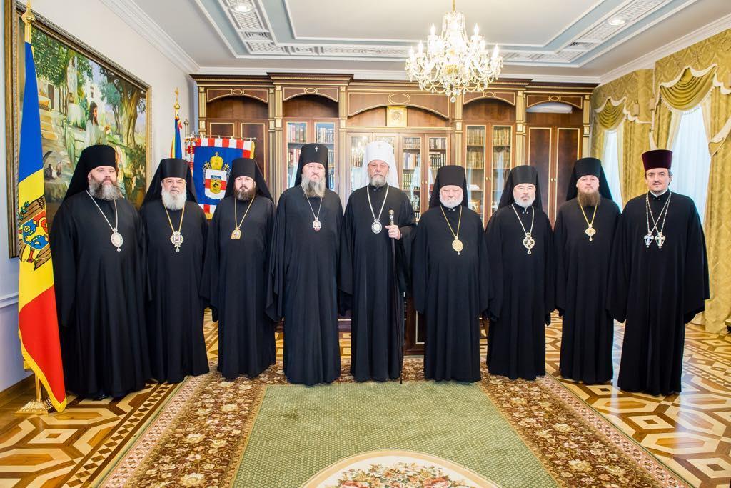 (ФОТО) Синод Церкви Молдовы опубликовал обращение о вакцинации от COVID-19