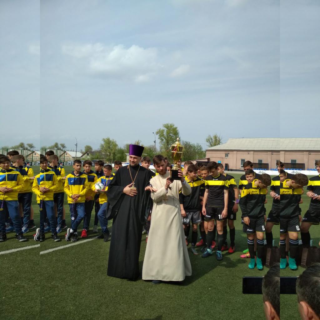 (ФОТО) В Чадыр-Лунге прошел Пасхальный турнир по футболу