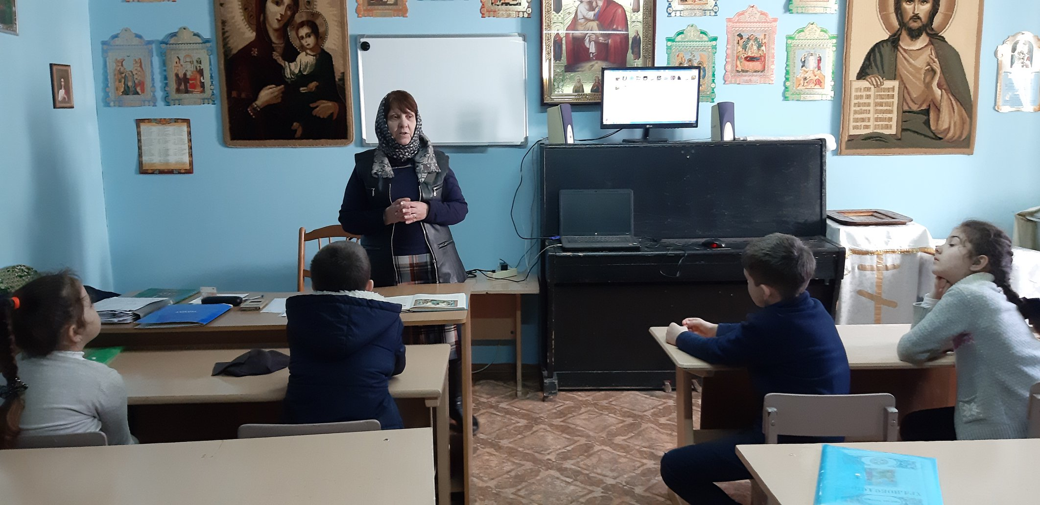 При храме г. Тараклия функционирует воскресная школа