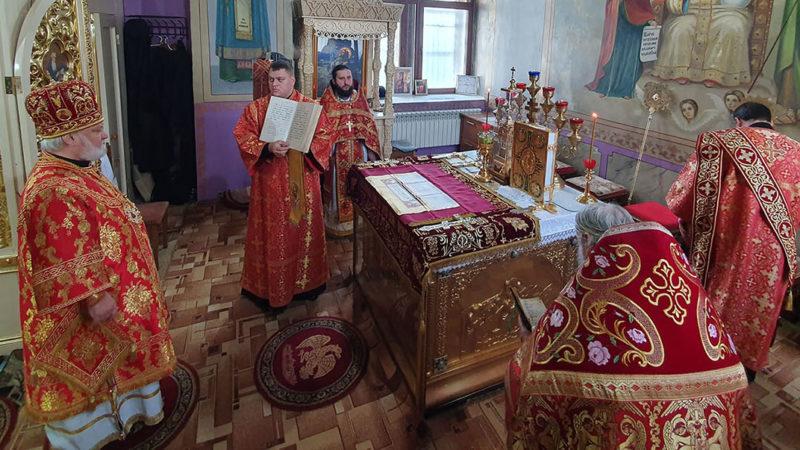 Литургия в праздник Жен-Мироносиц в Кафедральном соборе мун. Комрат