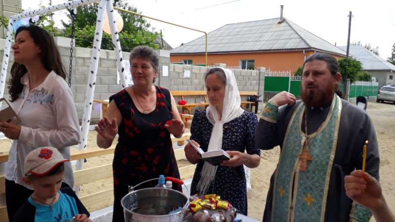 (ФОТО) В Вулканештах освятили детскую площадку