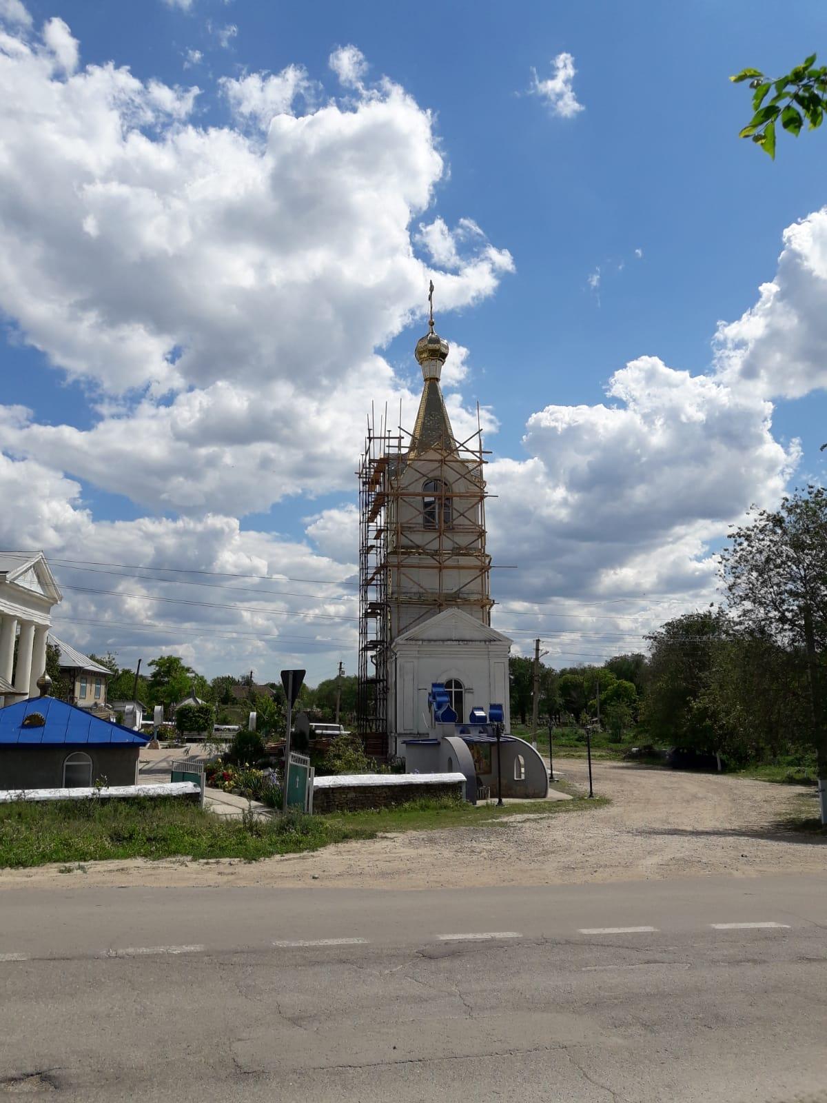 В Казаклии закончили сборку купола колокольни