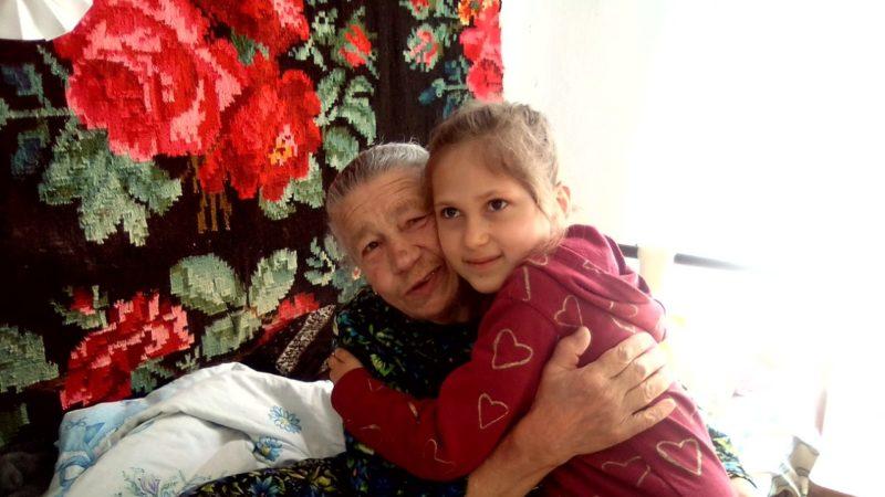 Воскресная школа при храме Казанской иконы Божией Матери мун. Чадыр-Лунга посетила дом престарелых