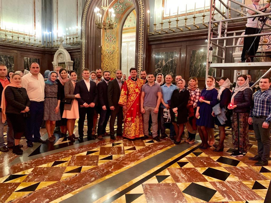 (ФОТО) Уроженцы Гагаузии в пасхальную ночь молились в главном соборе Русской Православной Церкви