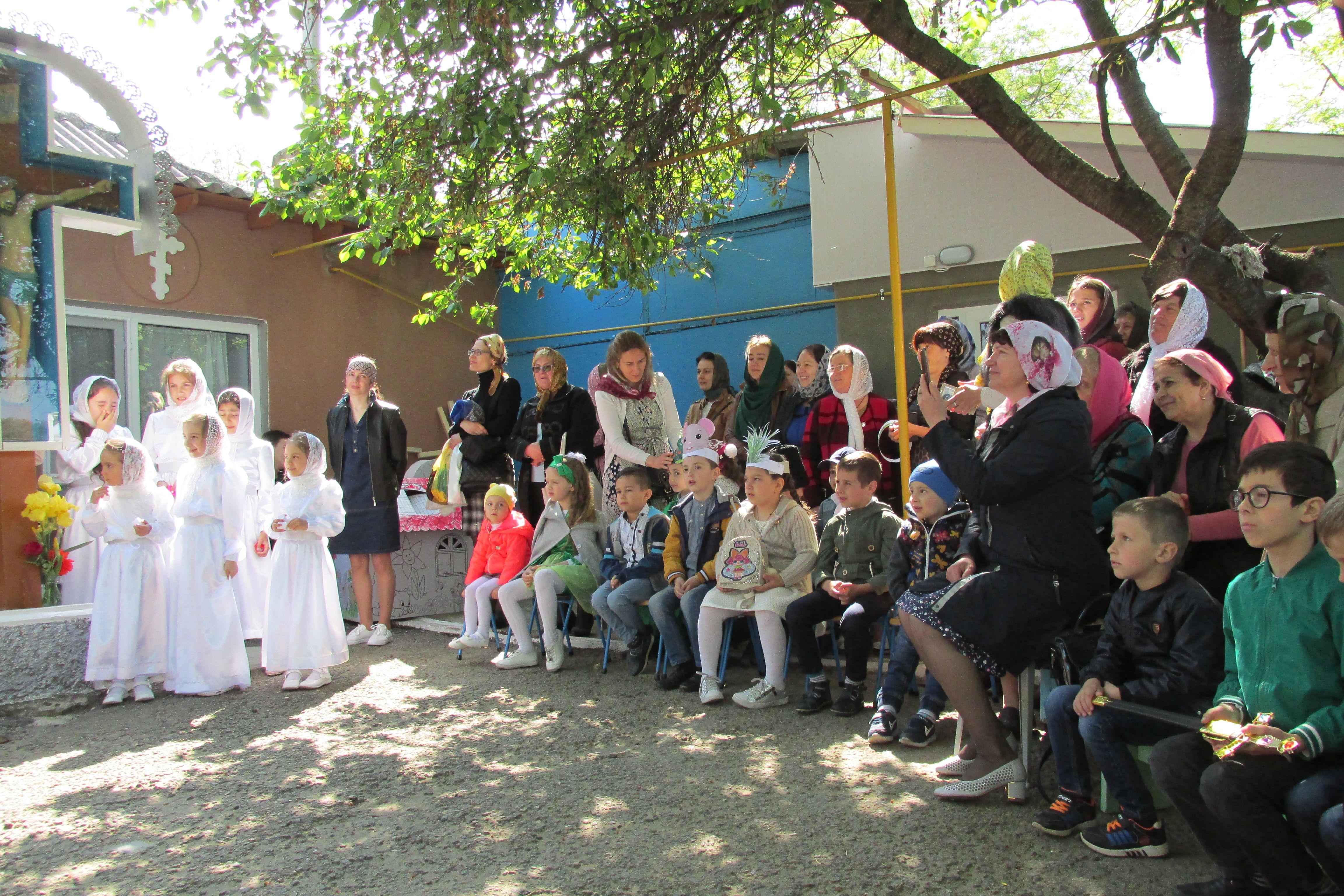 Праздник святых Жен-Мироносиц отметили концертом в Вулканештах