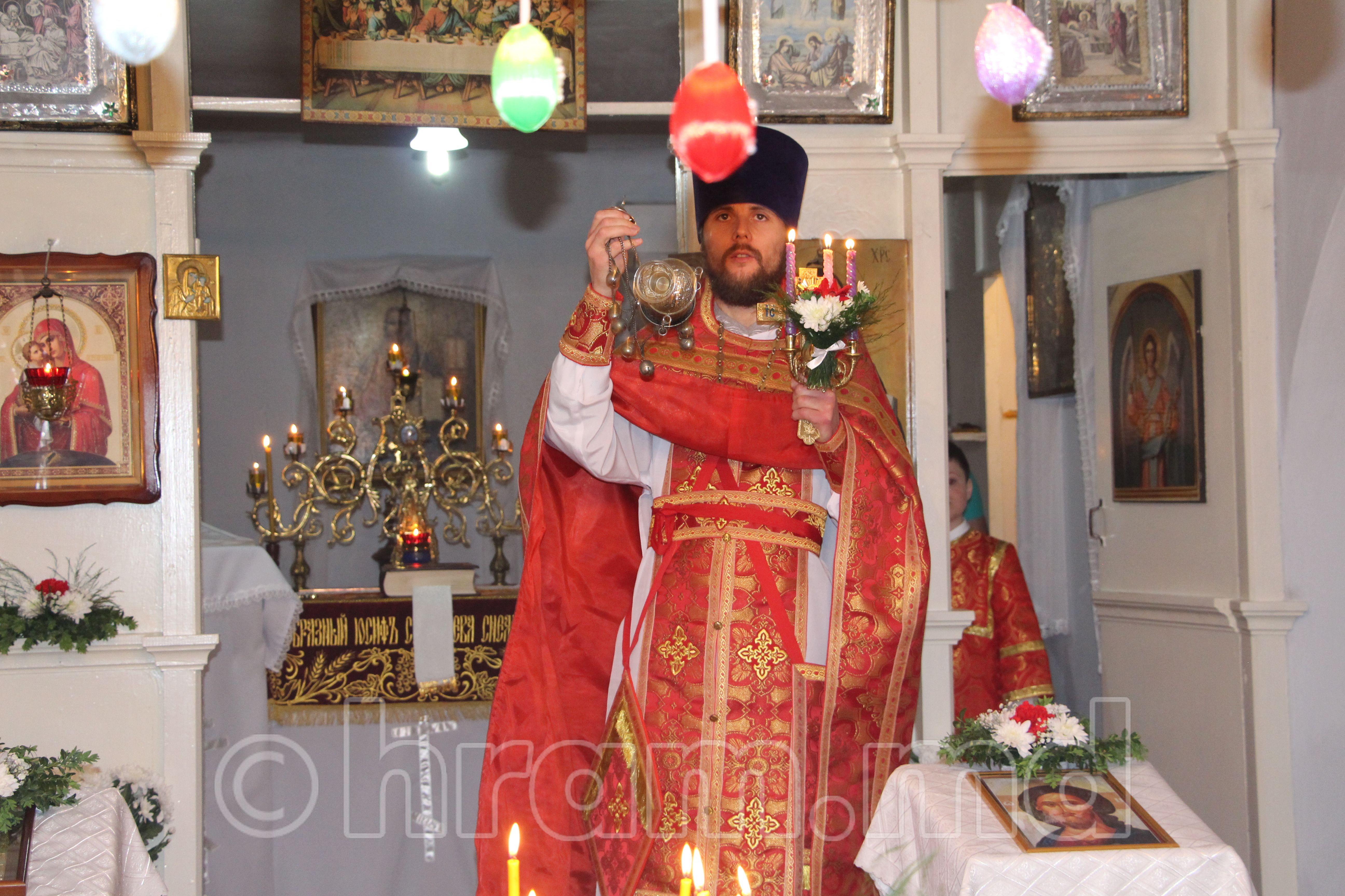 (ФОТО) Пасхальное богослужение в храме села Чишмикиой