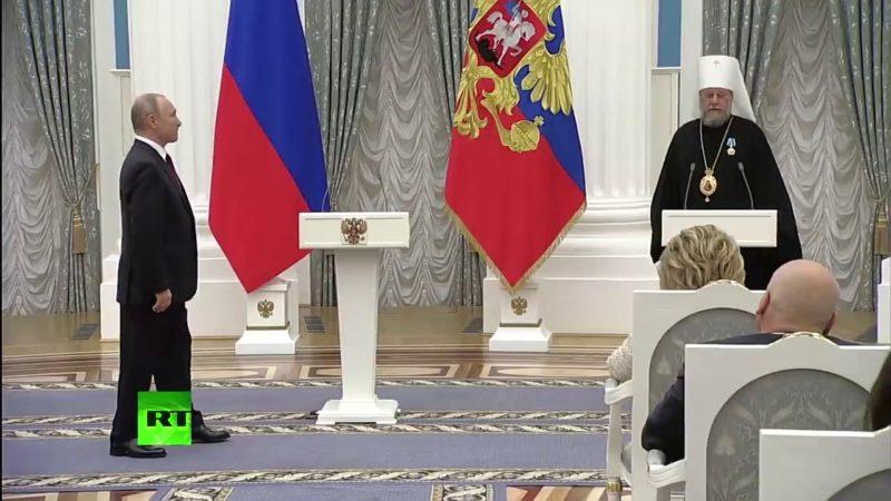 (ВИДЕО) Награждение митрополита Молдовы Владимира орденом Дружбы в Кремле