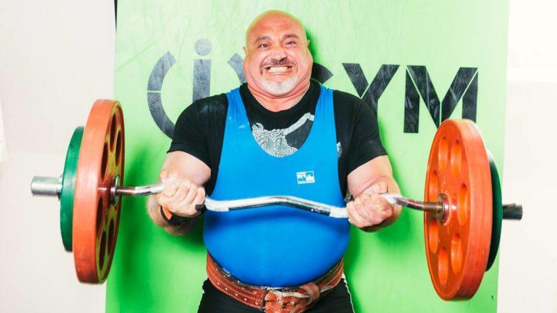 (ФОТО/ВИДЕО) Священник из Кубея стал десятикратным чемпионом мира по пауэрлифтингу