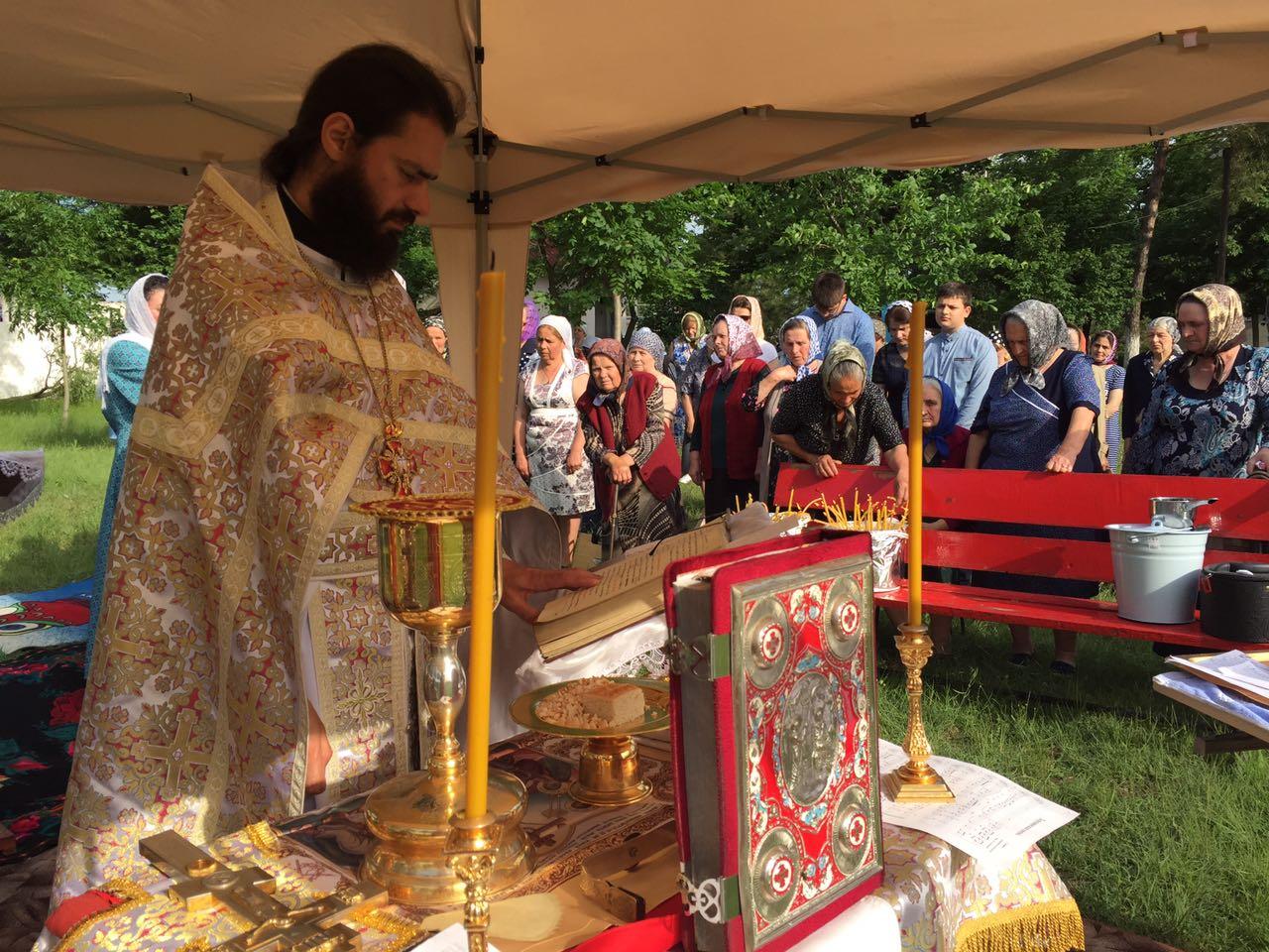 Прот. Сергий Великсаров: Господь в эти трудные дни Своим Воскресением дарует нам надежду на спасение