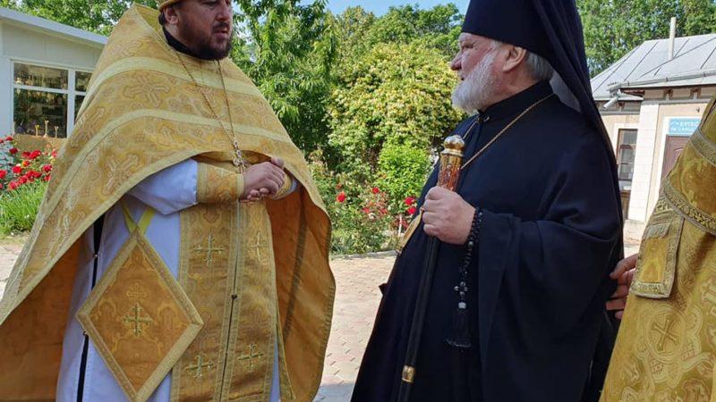 (ФОТО) Неделя 6-я по Пасхе о слепом. Божественная Литургия в Кафедральном соборе города Кагул