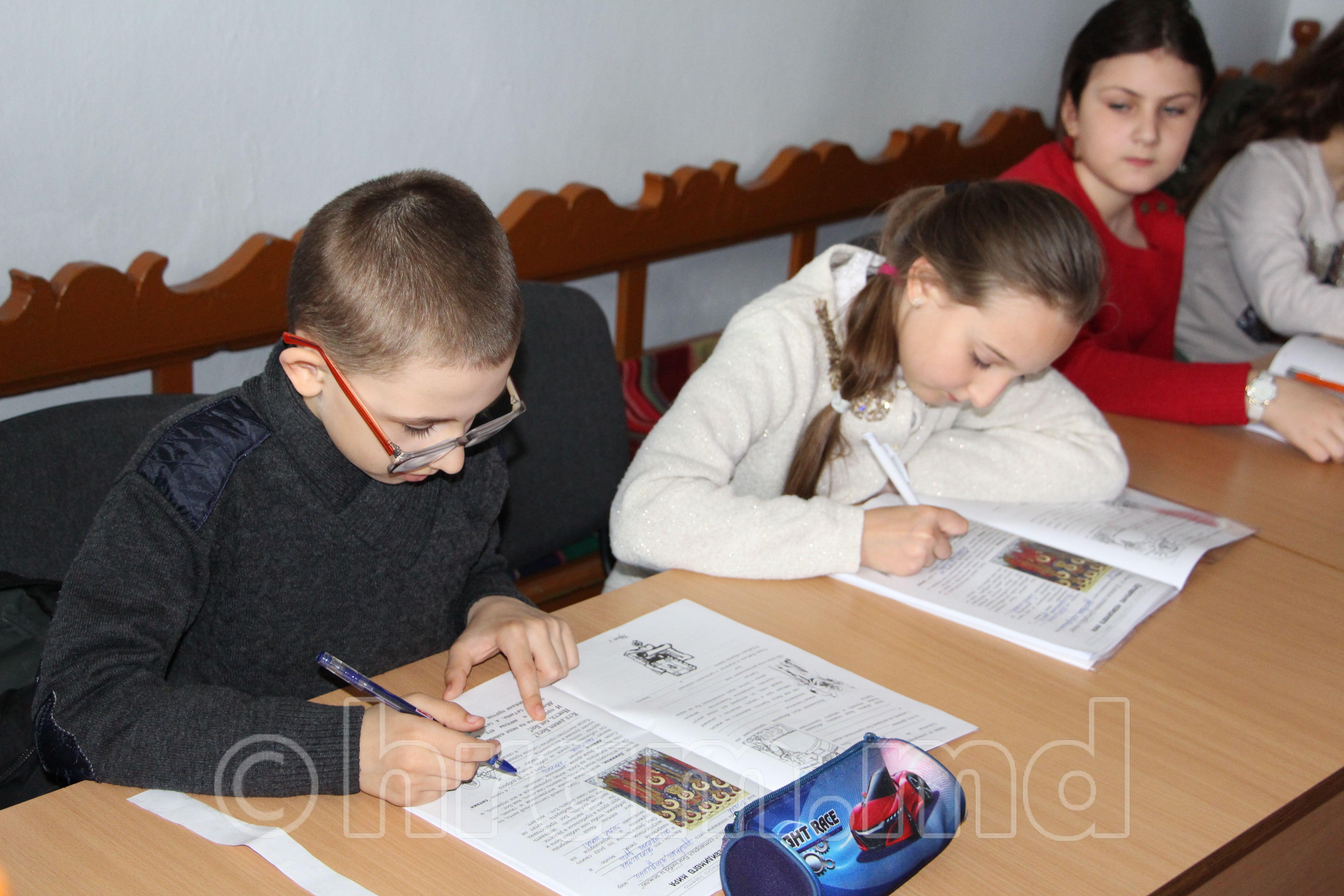 При церкви Чишмикиой проводятся уроки в церковной школе