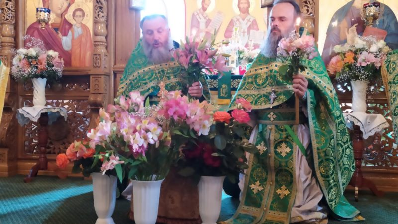 Почему на Троицу читают коленопреклоненные молитвы?