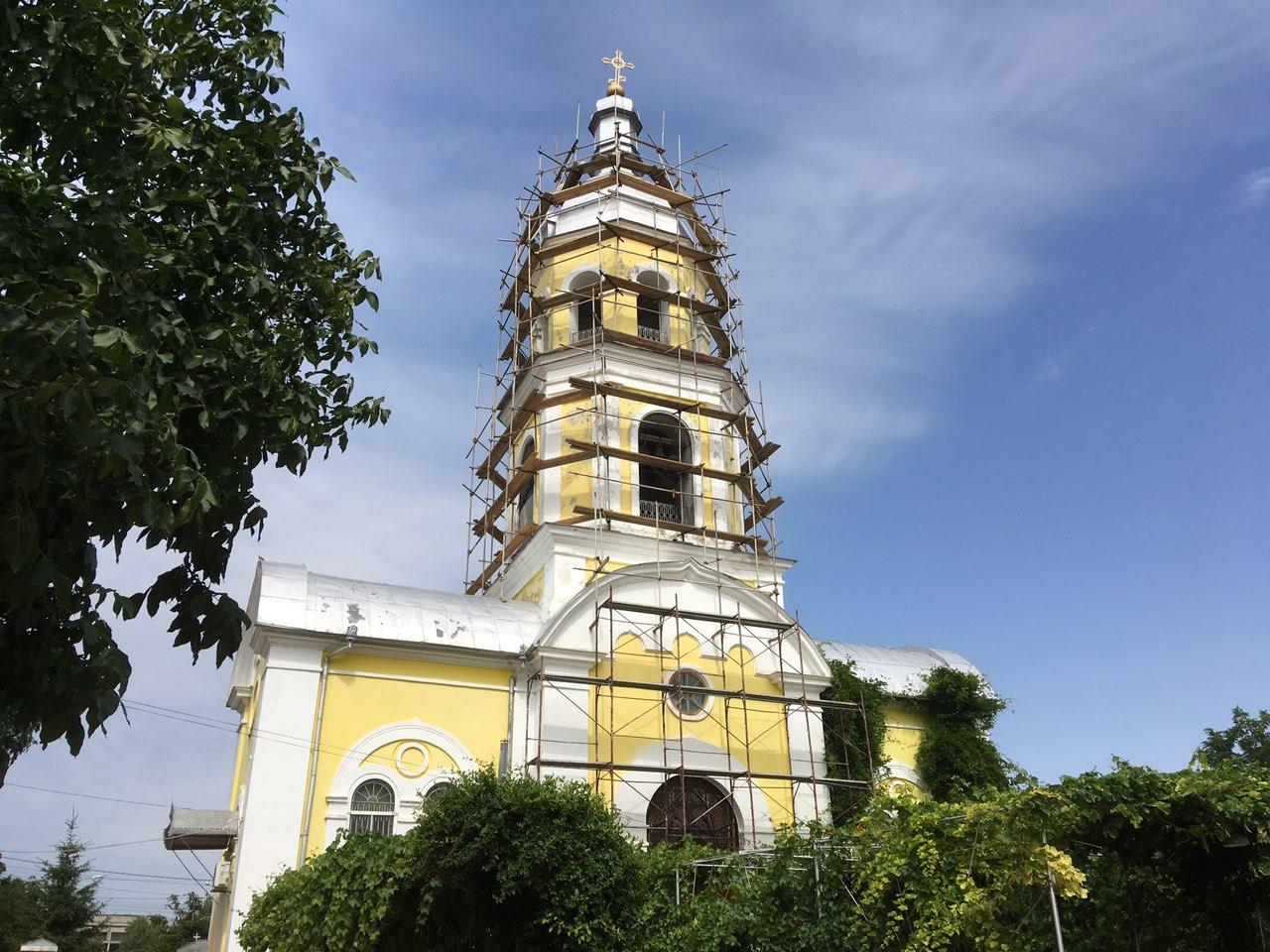 (ФОТО) В Кафедральном соборе мун. Комрат началась реставрация колокольни
