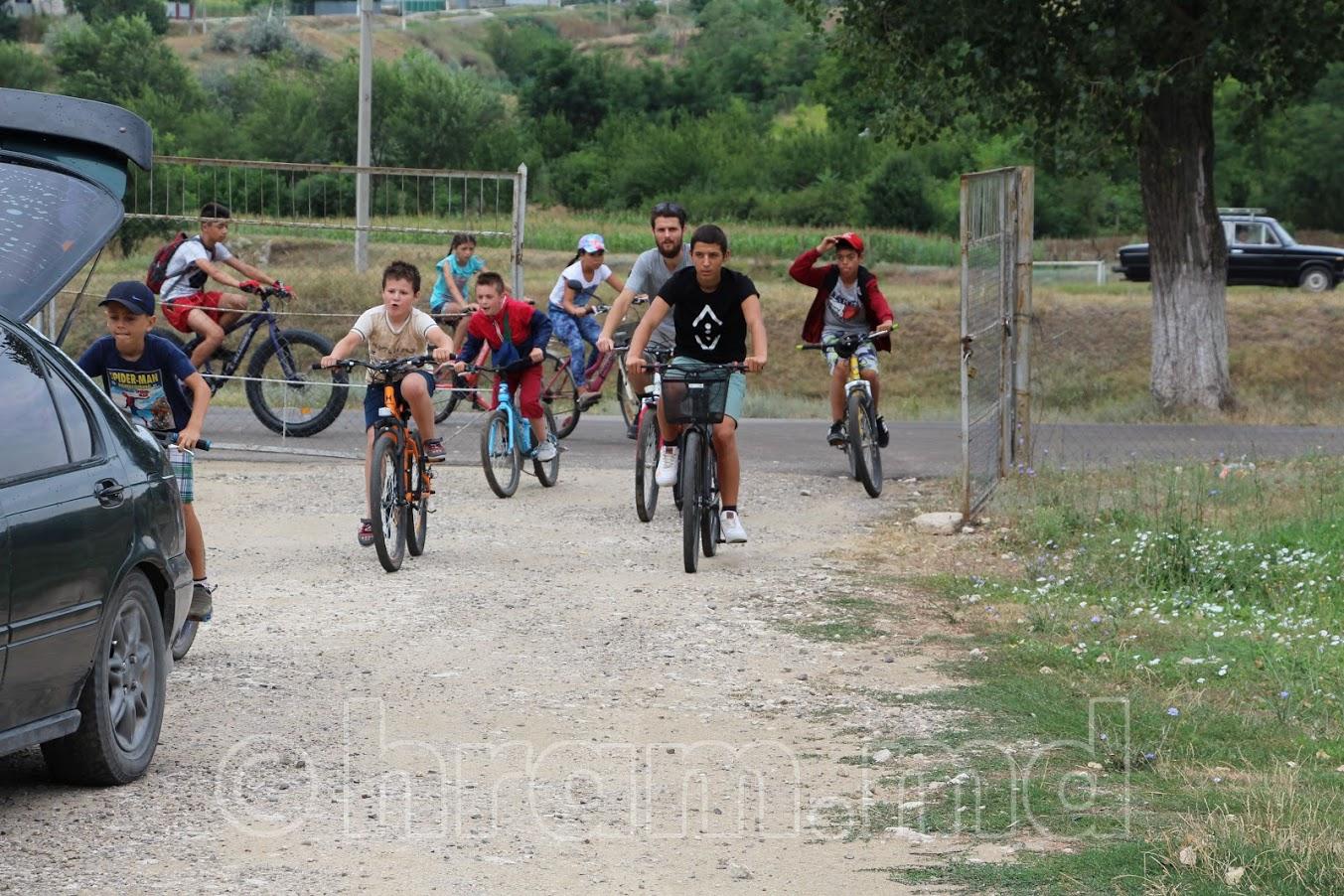 (ФОТО/ВИДЕО) В селе Чишмикиой прошел велопробег посвященный «Дню семьи, любви и верности»