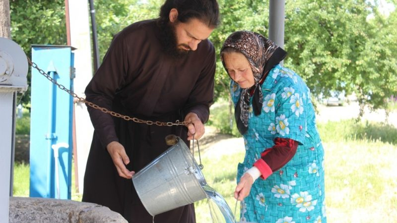 (ФОТО) Столетний колодец в Чадыр-Лунге: от предков – потомкам