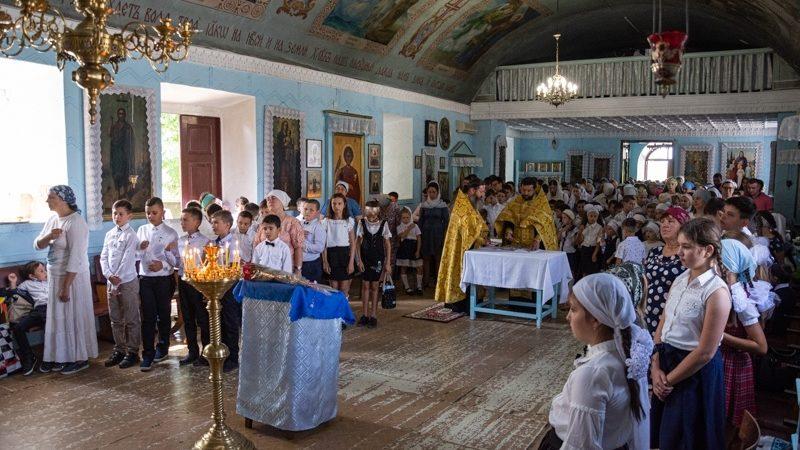 (ФОТО) В Успенском храме села Копчак состоялся молебен на начало учебного года