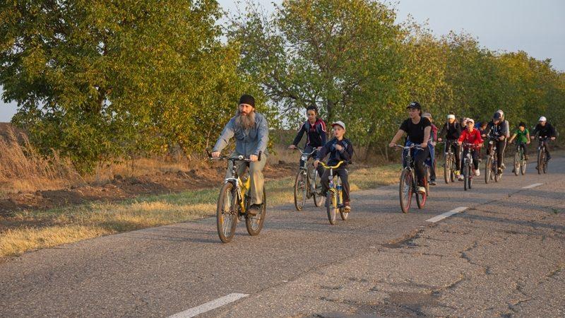 (ФОТО) Церковная школа с. Копчак совершила скаутский крестный ход на велосипедах