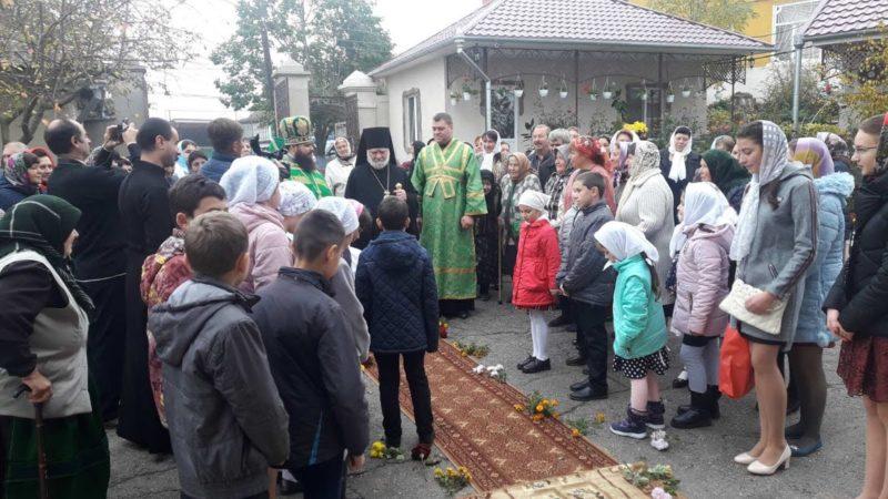 (ФОТО/ВИДЕО) Храм в честь св. Параскевы г. Твардица отметил престольный праздник