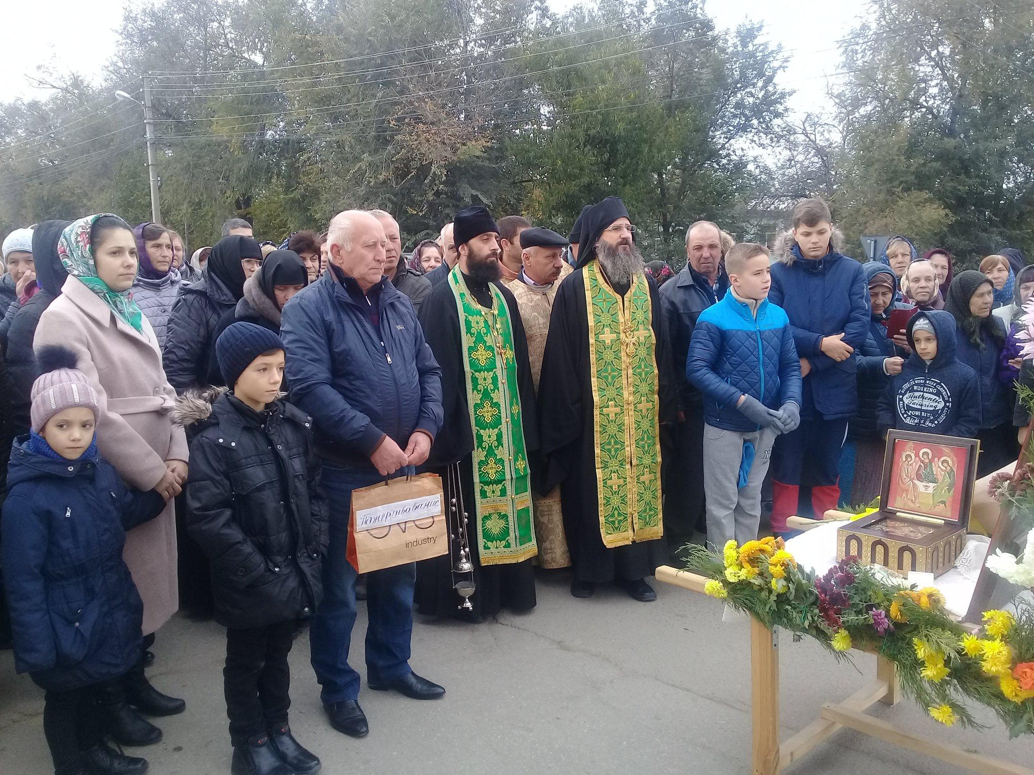 (ФОТО) В Тараклии прошел крестный ход посвященный 25 летию со дня восстановления храма