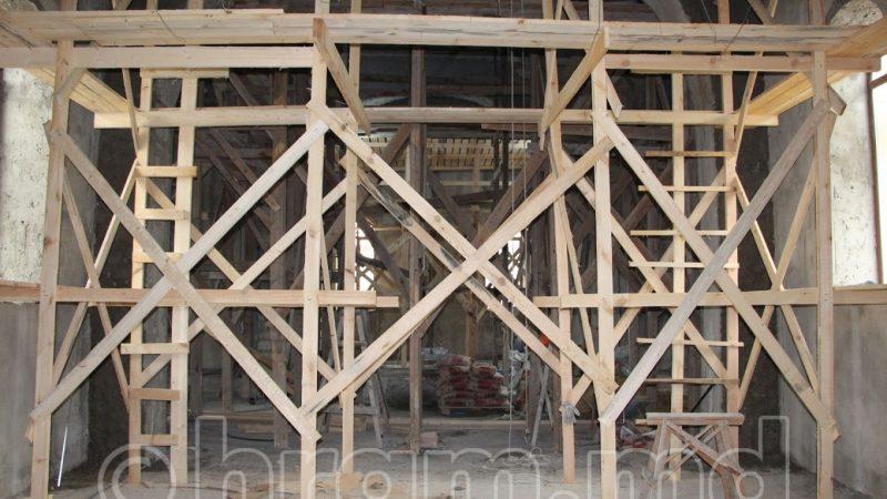 (ФОТО) В храме Чишмикиой ведутся внутренние работы