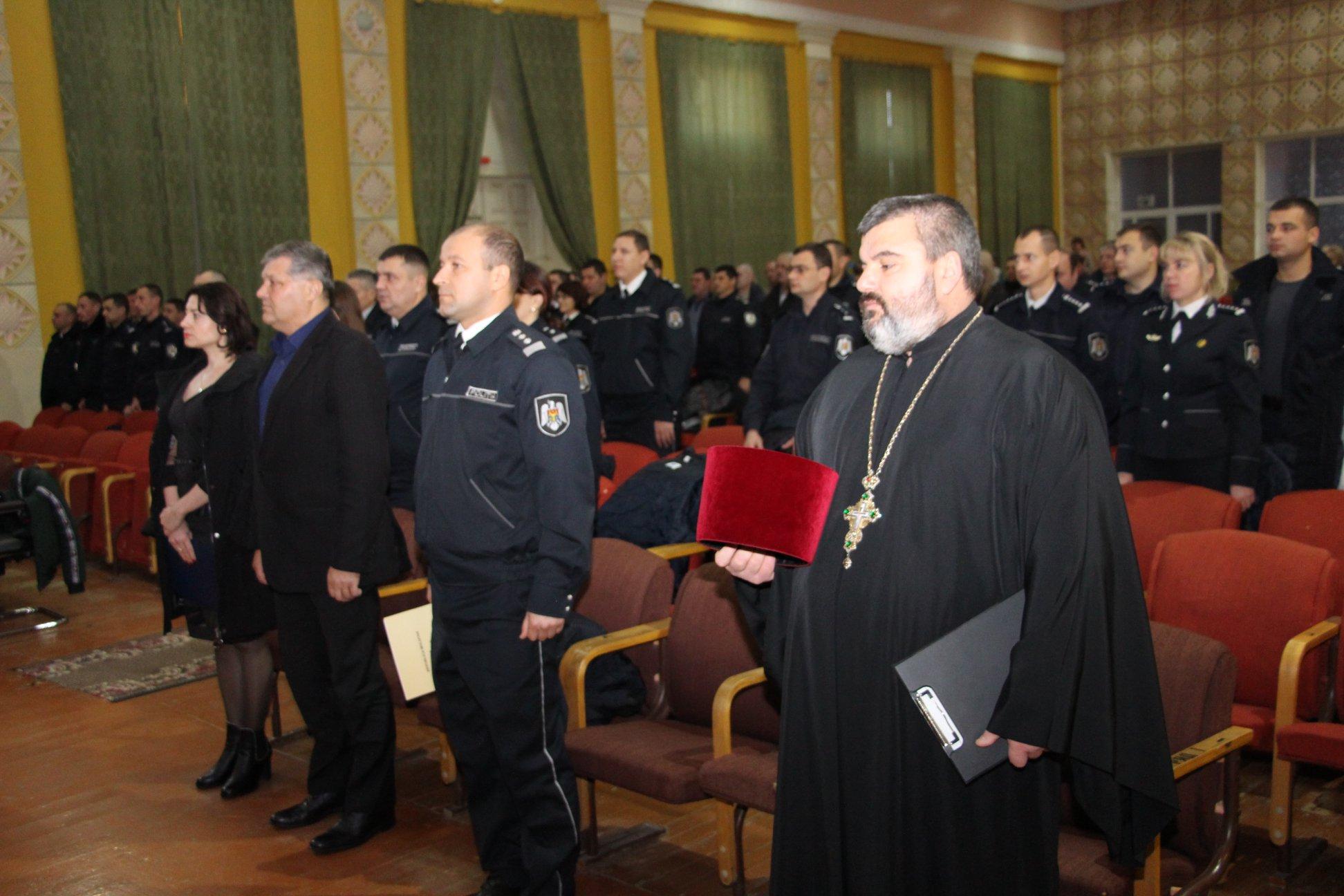 Священник принял участие в праздновании дня полиции в Тараклии