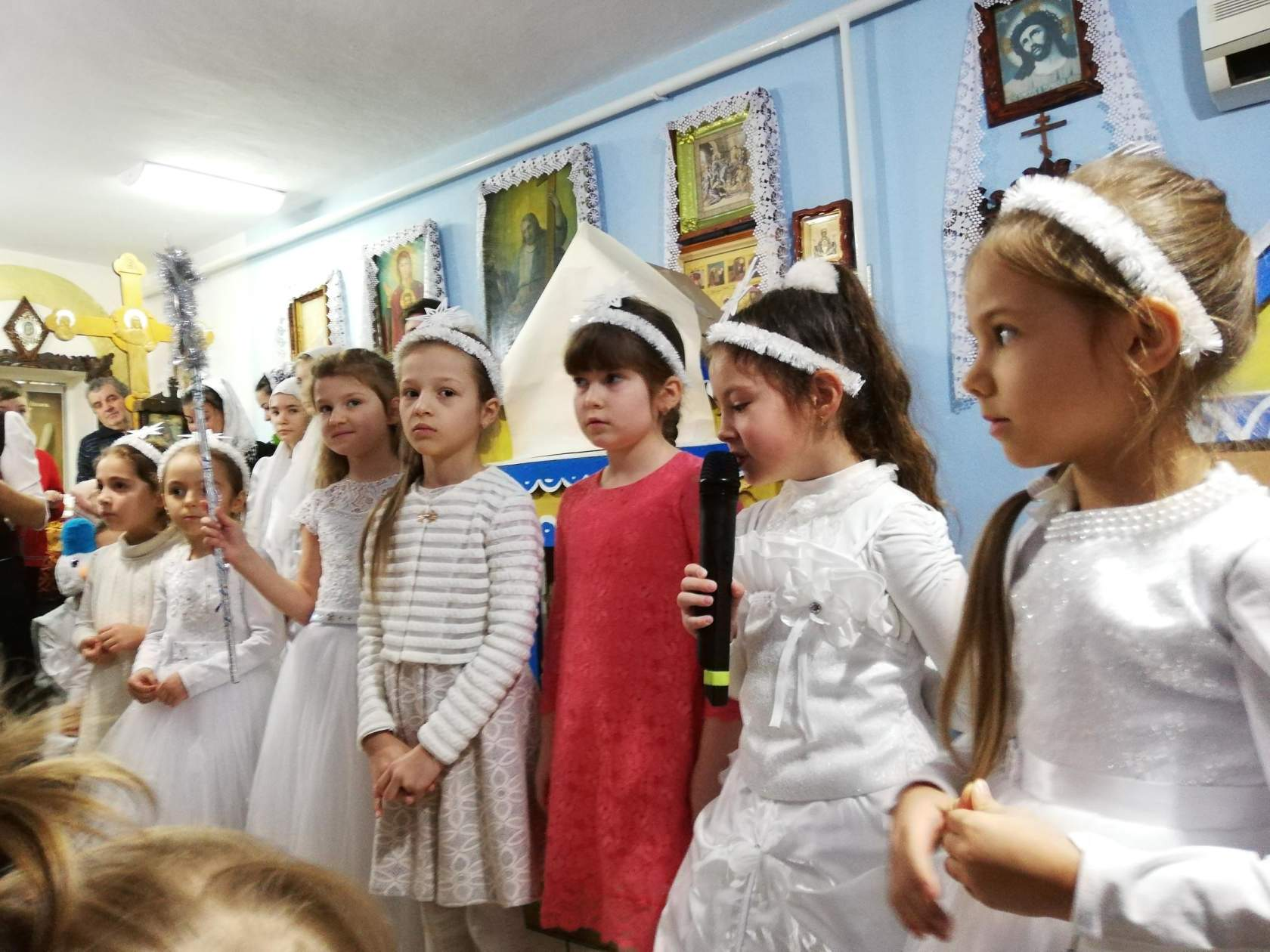 (ФОТО) В Свято-Покровском храме г. Вулканешты прошли Рождественские выступления