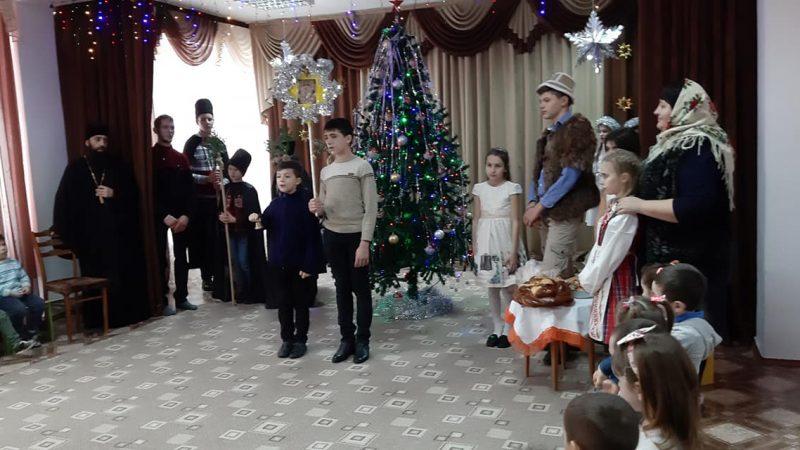 (ФОТО) Воскресная школа г.Тараклия выступила в детских садах города