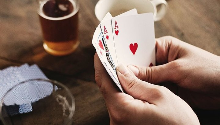Можно ли играть в карты?