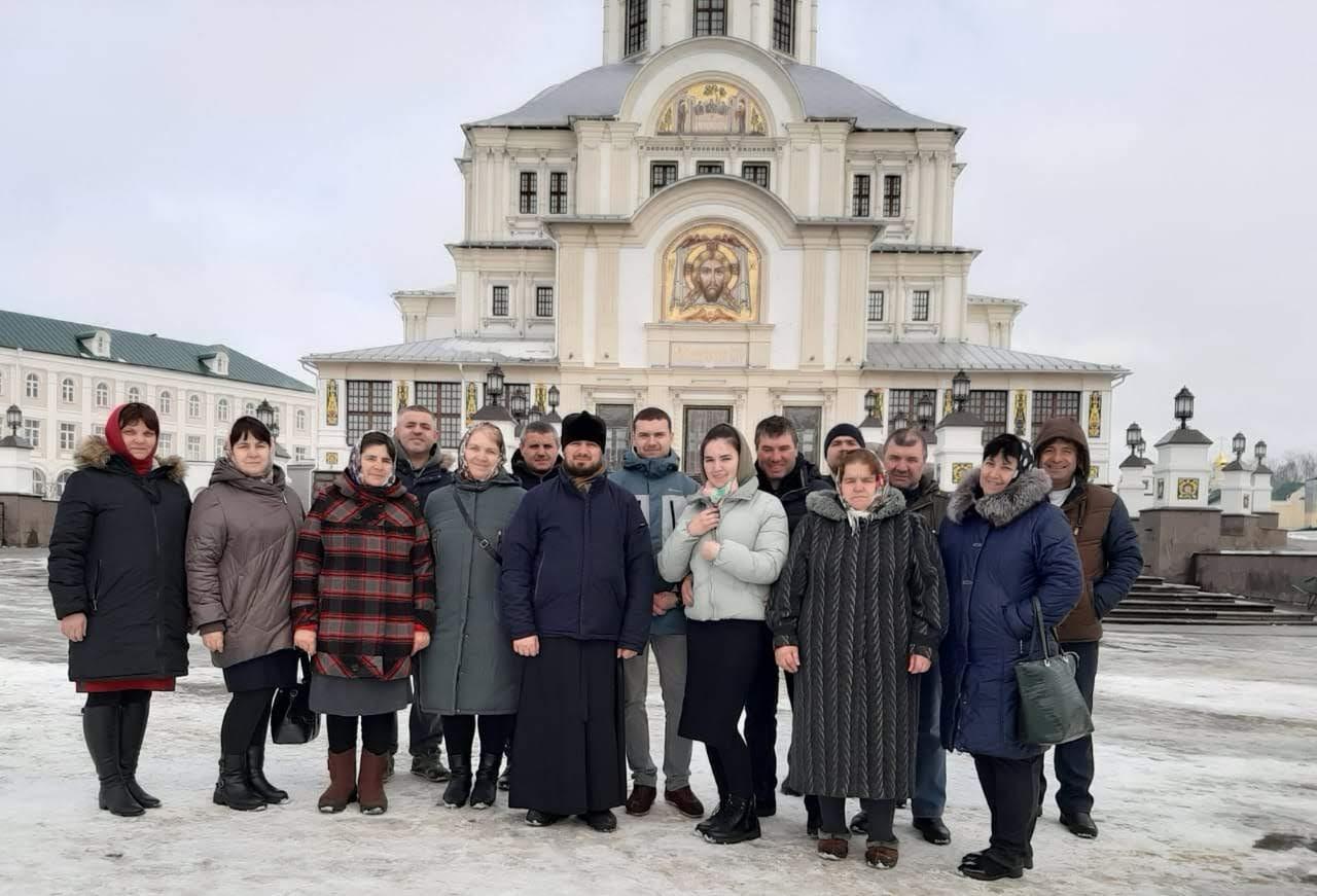 (ФОТО) Уроженцы Гагаузии совершили паломническую поездку в Дивееский монастырь