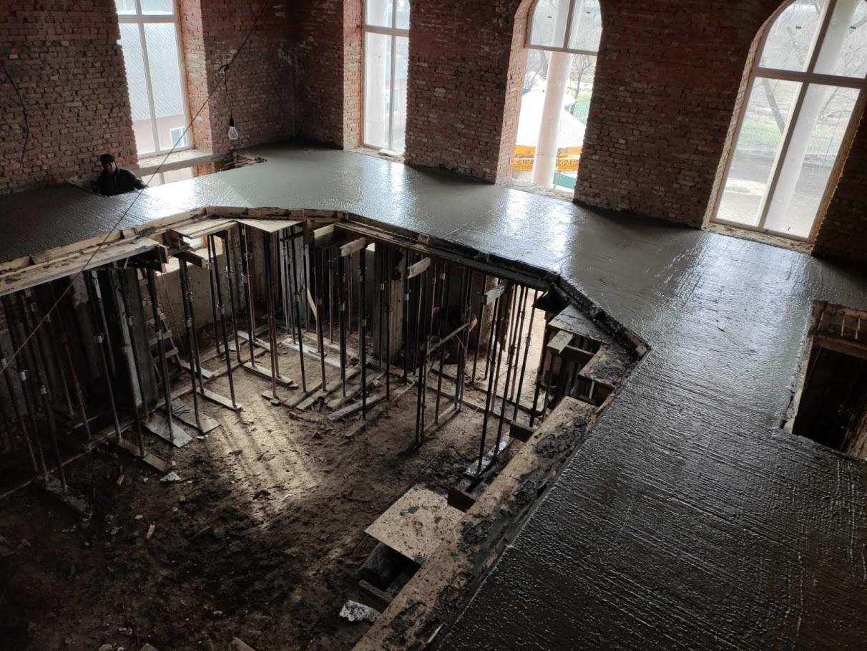 (ФОТО) В Вулканештском храме залили плиту балкона
