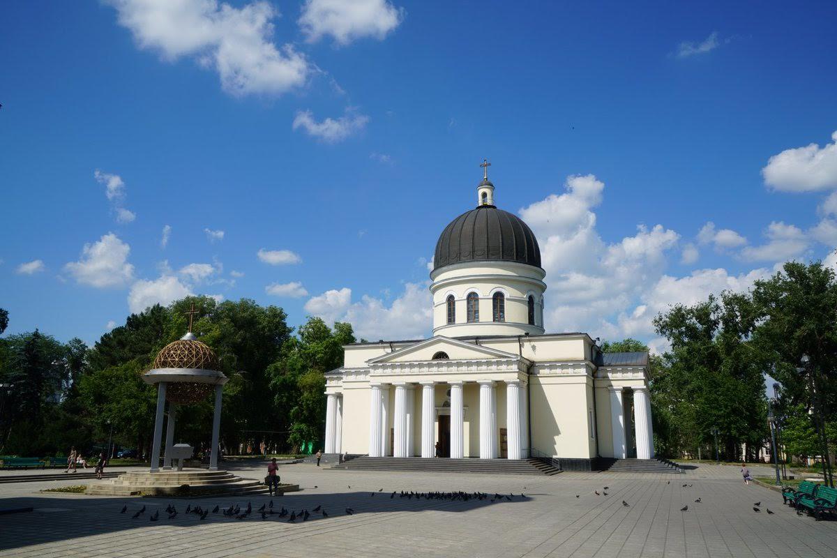 Митрополия Молдовы опровергла информацию о якобы имеющемся заражении короновирусом священника приехавшего из Почаева