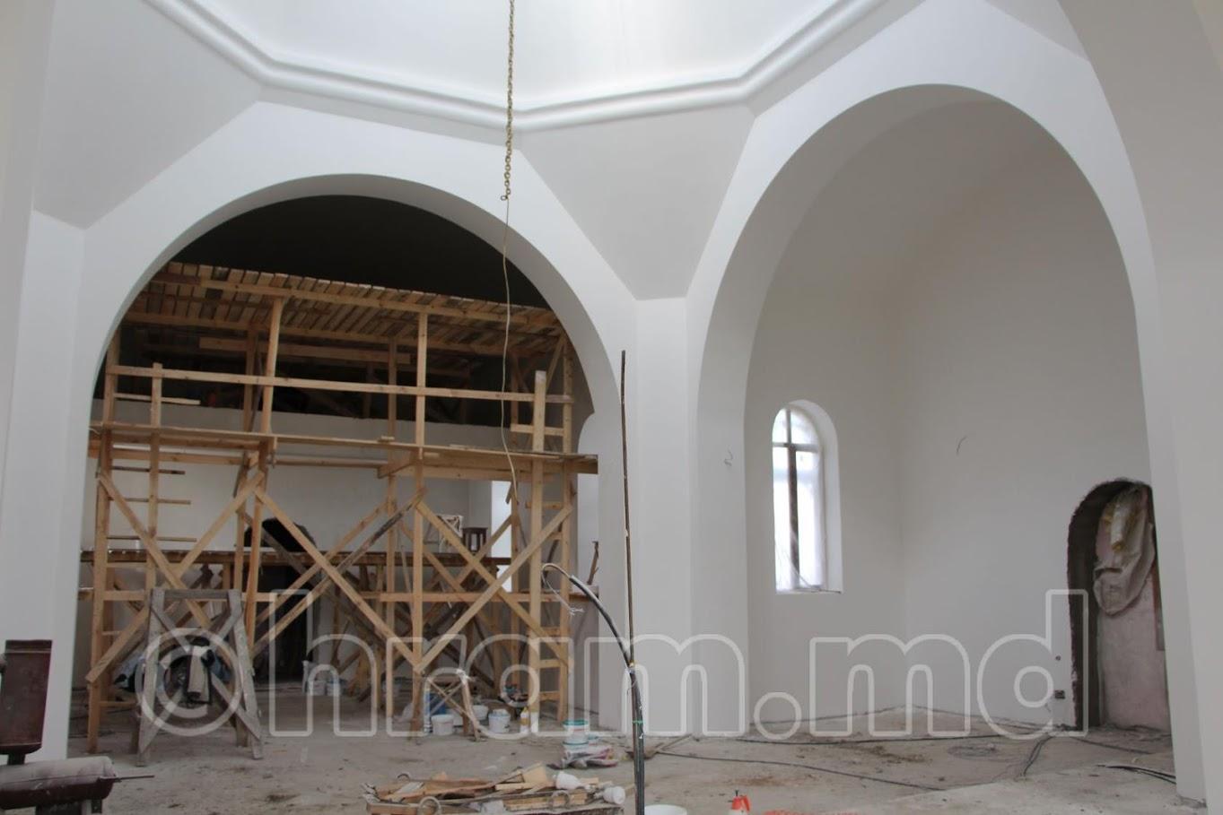 (ФОТО/ВИДЕО) В храме села Чишмикиой продолжаются внутренние отделочные работы