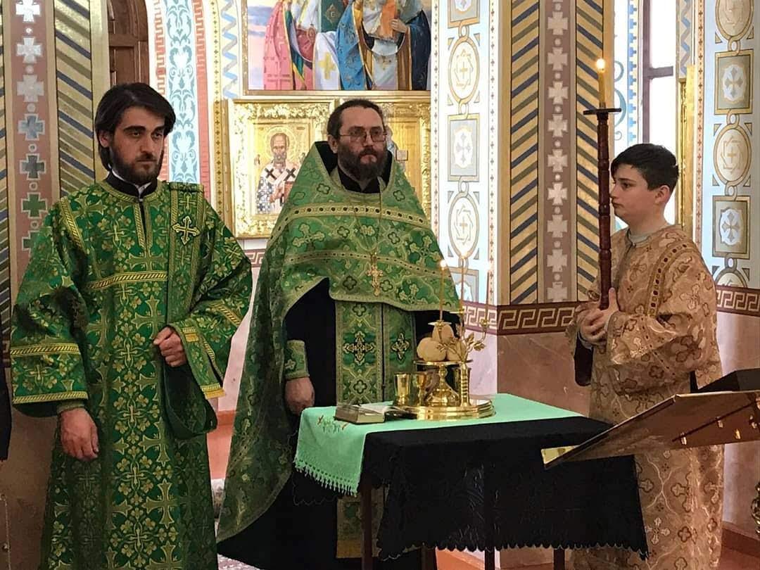 (ФОТО) Богослужение в праздник Входа Господня во Иерусалим в храме с. Адварма