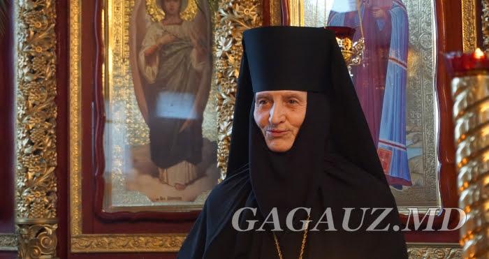 (ВИДЕО) Игумения Свято-Димитриевского монастыря приглашает всех на праздничное богослужение